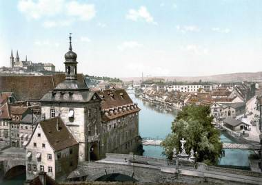 Old photograph of the Rathaus
